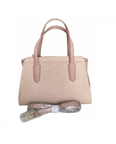 Bolsa rosa con detalles de...